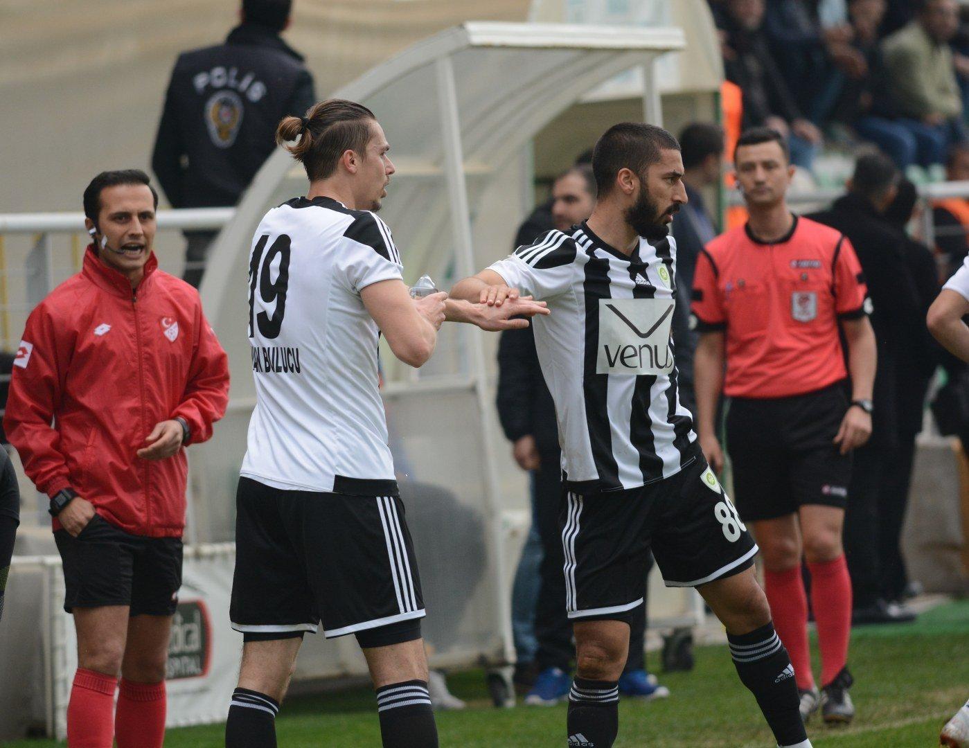 Manisa Büyükşehir Belediyespor'da hakem isyanı sürüyor - www.diyagonal.net