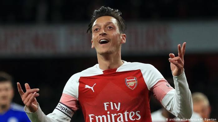 Mesut Özil kimdir
